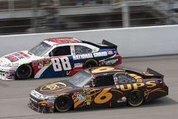 David Ragan, Roush Fenway Racing Ford, Dale Earnhardt Jr., Hendrick Motorsports Chevrolet