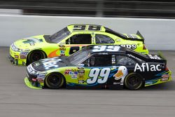 Carl Edwards, Roush Fenway Racing Ford, Paul Menard, Richard Petty Motorsports Ford