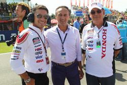 LCR Honda MotoGP manager Lucio Cecchinello with guests