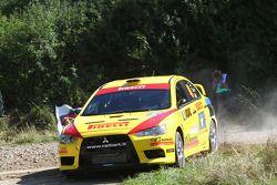 Ott Tanak et Kuldar Sikk, Mitsubishi Lancer Evo X, pilotes Pirelli