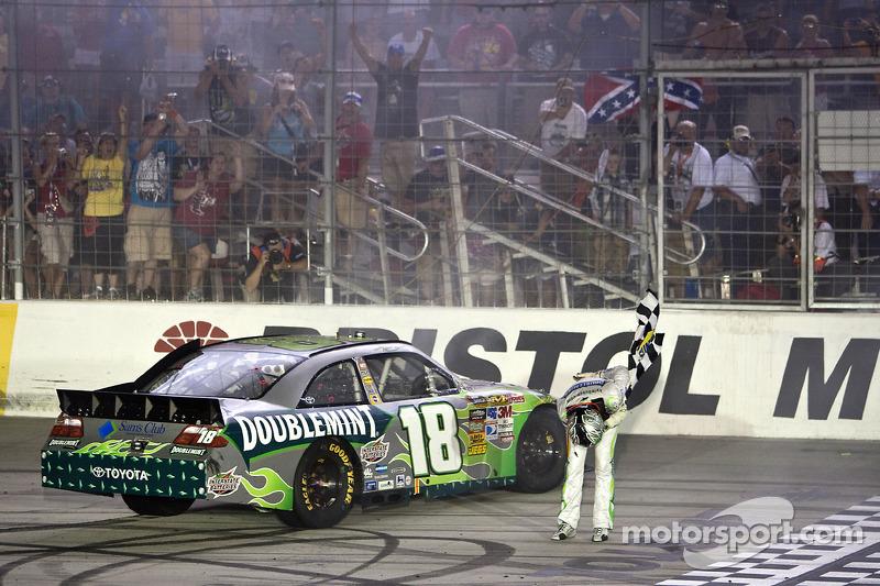 2010, Bristol 2: Kyle Busch (Gibbs-Toyota)