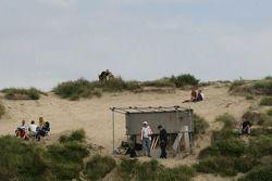 Toeschouwers in de duines