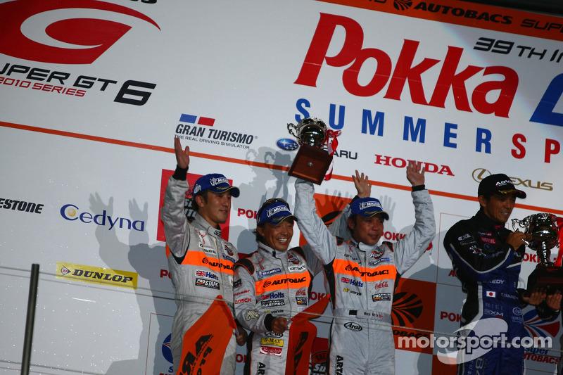 2ème place en GT300 : #43 Arta Garaiya : Morio Nitta, Shinichi Takagi, Kyosuke Mineo