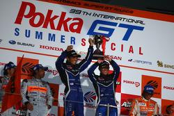 Vainqueur GT300 : #62 R&d Sport Legacy B4 : Tetsuya Yamamoto, Kota Sasaki