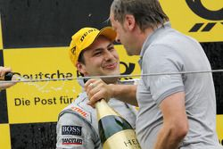 Podium: race winner Gary Paffett, Team HWA AMG Mercedes C-Klasse
