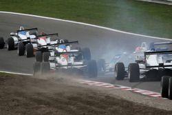 Laurens Vanthoor, Signature Dallara F308 Volkswagen spins