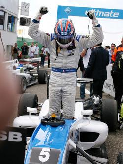 Race winner Edoardo Mortara, Signature Dallara F308 Volkswagen