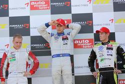Podium: race winner Edoardo Mortara, Signature Dallara F308 Volkswagen, second place Valtteri Bottas, ART Grand Prix Dallara F308 Mercedes, third place Marco Wittmann, Signature Dallara F308 Volkswagen