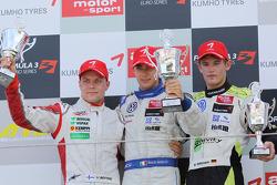 Podium: race winner Edoardo Mortara, Signature Dallara F308 Volkswagen, second place Valtteri Bottas