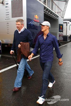 Ross Brawn Team Principal, Mercedes GP en Michael Schumacher, Mercedes GP