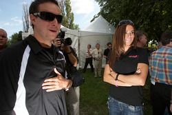 NASCAR Nationwide Series rijder Andrew Ranger en NASCAR Canadian Tire Series rijder Maryeve Dufault
