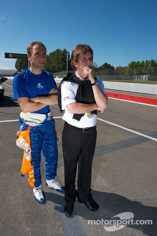 Max Angelelli en Wayne Taylor na crash #30 Racers Edge Motorsports Mazda RX-8