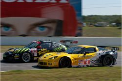 #4 Corvette Racing Chevrolet Corvette ZR1: Jan Magnussen, Oliver Gavin, #23 Alex Job Racing Porsche