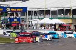 Herstart: #99 GAINSCO/ Bob Stallings Racing Chevrolet Riley: Jon Fogarty, Alex Gurney aan de leiding