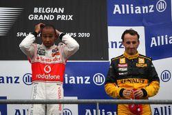Podium: race winnaar Lewis Hamilton, 3de Robert Kubica
