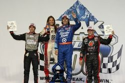 Victory lane: race winner Dario Franchitti, Target Chip Ganassi Racing, second place Dan Wheldon, Panther Racing, third place Marco Andretti, Andretti Autosport