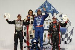 Victory lane: race winner Dario Franchitti, Target Chip Ganassi Racing, second place Dan Wheldon, Pa
