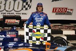 Victory lane: winner Dario Franchitti, Target Chip Ganassi Racing celebrates