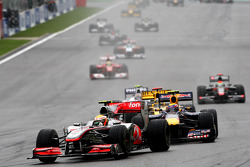 Restart: Lewis Hamilton, McLaren Mercedes leads
