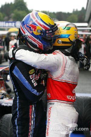 Race winnaar Lewis Hamilton, McLaren Mercedes, 2de Mark Webber, Red Bull Racing