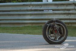 Linkervoorwiel van de #48 Orbit Racing Porsche 911 GT3 Cup
