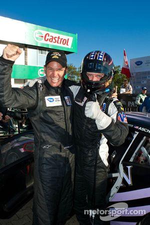 Shane Lewis & Lawson Aschenbach fêtent leur première victoire en classe GTC au Grand Prix de Mosport