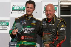 GT podium: klasse winnaar Paul Edwards met teameigenaar Leighton Reese
