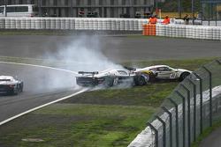 Départ : #41 Marc VDS Racing Team Ford GT: Markus Palttala, Renaud Kuppens & #33 Triple H Team Hegersport Maserati MC12: Altfrid Heger, Alex Müller accidentés