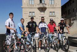 Colin Edwards, Monster Yamaha Tech 3 fait du vélo en touriste