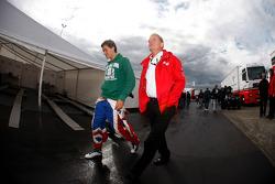 Jolyon Palmer met zijn vader Jonathan Palmer, CEO MotorSport Vision