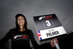 F2 pitspoes voor Jolyon Palmer