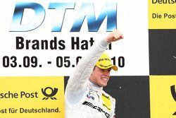 Podium: le vainqueur Paul di Resta, Team HWA AMG Mercedes