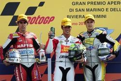 Подиум: победитель гонки - Тони Элиас, второе место - Жюльен Симон, третье место - Томас Люти