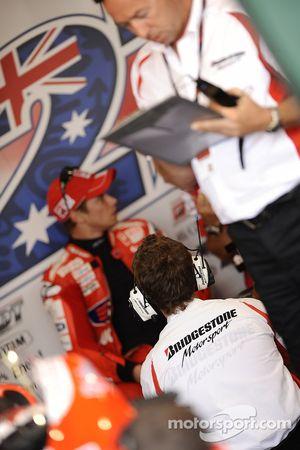 L'ambiance au stand Ducati Marlboro Team