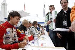 Jolyon Palmer in the drivers autograph session