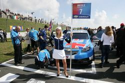 Grid girl of Robert Huff Chevrolet, Chevrolet Cruze LT