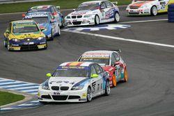 Sergio Hernandez Scuderia Proteam Motorsport BMW 320si, Fredy Barth Seat Swiss Racing by Sunred Seat