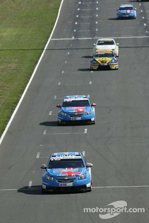 Robert Huff Chevrolet, Chevrolet Cruze LT and Alain Menu Chevrolet, Chevrolet Cruze LT