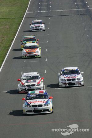 Stefano D'Aste Scuderia Proteam Motorsport BMW 320si, Mehdi Bennani Wiechers-Sport BMW 320si, Franz