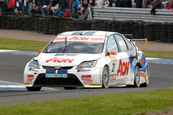 Tom Onslow-Cole voor Paul O'Neill