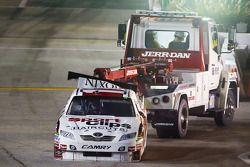 Denny Hamlin, Joe Gibbs Racing Toyota: retour au garade après avoir explosé