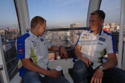 Mikko Hirvonen et Jarmo Lehtinen sur la grande roue de Sapporo