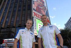 Mikko Hirvonen et Jarmo Lehtinen dans le quartier de Susukino à Sapporo
