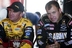 Ryan Newman, Stewart-Haas Racing Chevrolet et Clint Bowyer, Richard Childress Racing Chevrolet