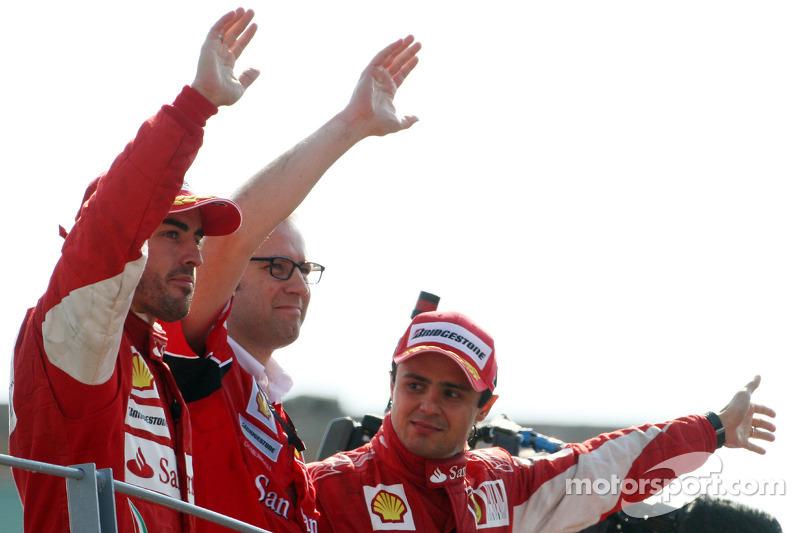 Podio: ganador de la carrera Fernando Alonso, Scuderia Ferrari y tercer lugar Felipe Massa, Scuderia
