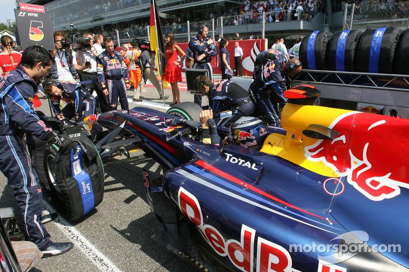 Себастьян Феттель (Red Bull Renault) на стартовій решітці