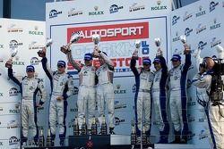 Formula La Mans podium van links: #47 Hope Polevision Racing Formula Le Mans - Oreca 09: Steve Zacch