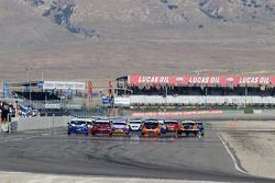 ST start: #91 APR Motorsport Volkswagen GTI: Ian Baas, Aaron Povoledo, #31 i-MOTO Mazda Speed 3: Gle