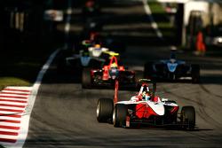 Esteban Gutierrez rijdt voor Rio Haryanto en Roberto Merhi