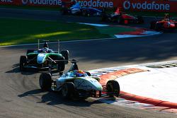 Tobias Hegewald leads Daniel Morad